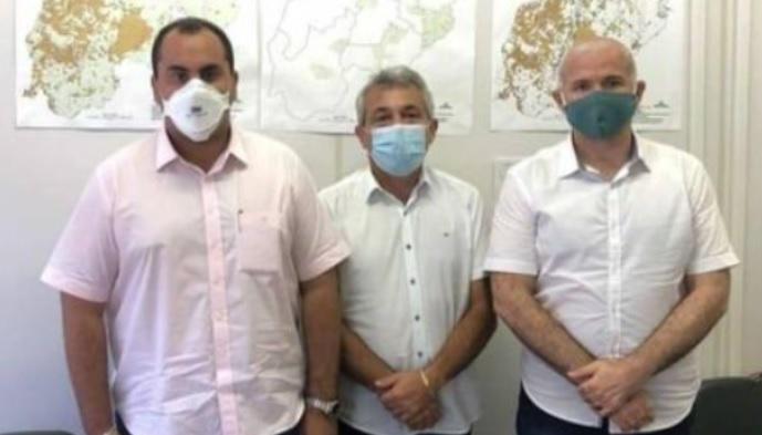Superintendente Thiago Vasconcelos, com deputado Georgiano e prefeito Capote