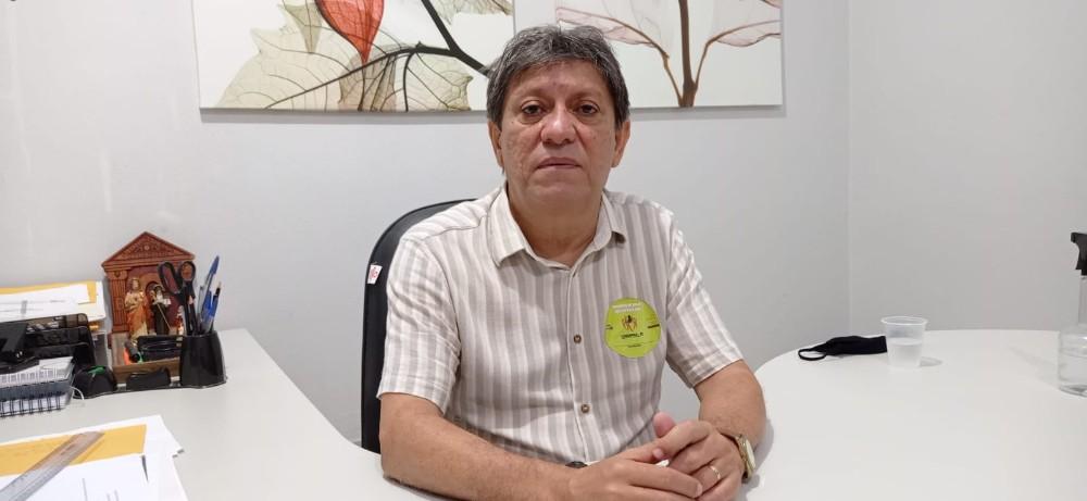 Secretário consegue liberação para concluir obra parada da Escola Modelo