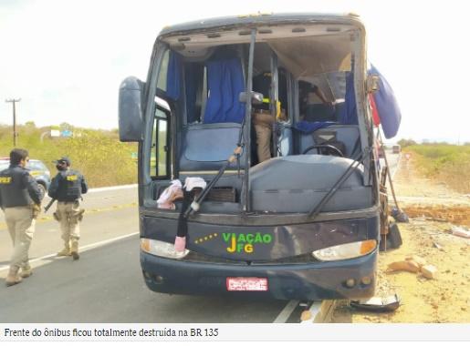 Vítimas de acidente com ônibus na BR 135 no Piauí são identificadas